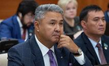 Депутаты мажилиса на пленарном заседании