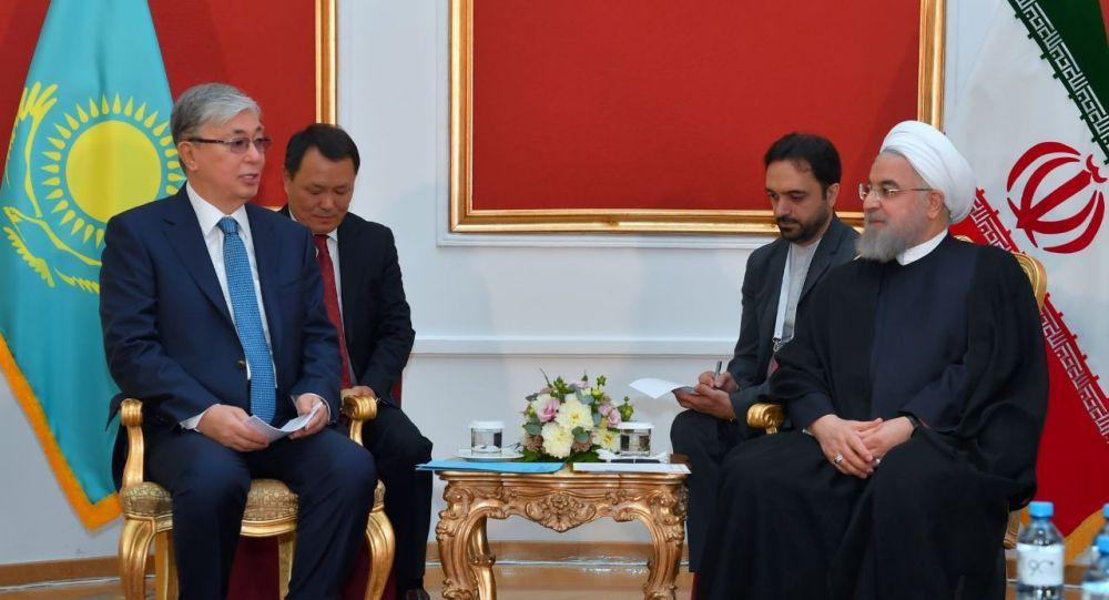 Касым-Жомарт Токаев и президент Исламской Республики Иран Хасан Рухани
