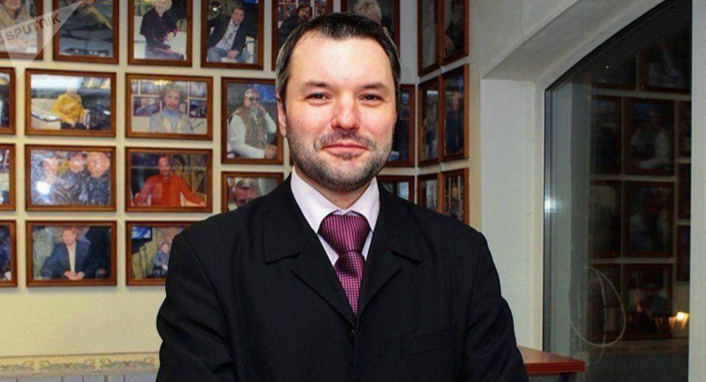 Дмитрий Солонников