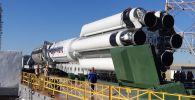 Ракета «Протон-М» на стартовом комплексе