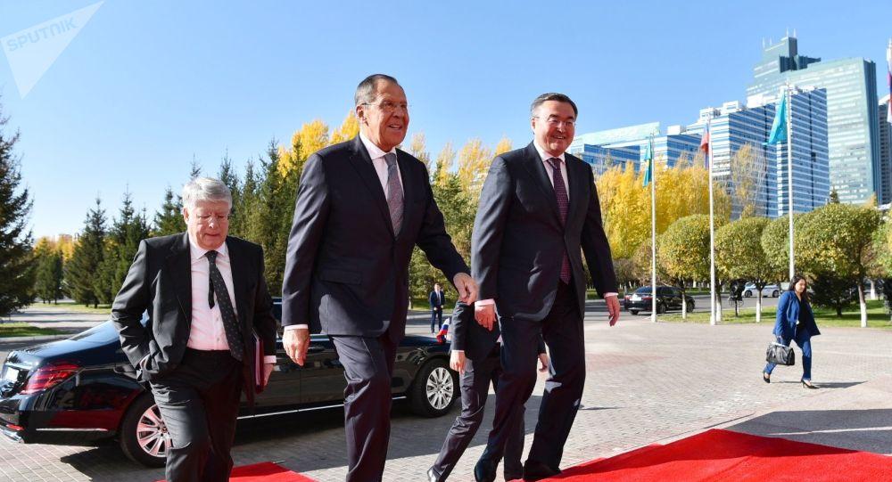 Переговоры министра иностранных дел России Сергея Лаврова с главой МИД Казахстана Мухтаром Тлеуберди
