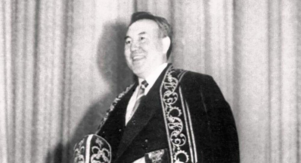 16 декабря 1991 года Верховный Совет Казахской ССР провозгласил государственную независимость республики. Нурсултан Назарбаев становится  Президентом Республики Казахстан
