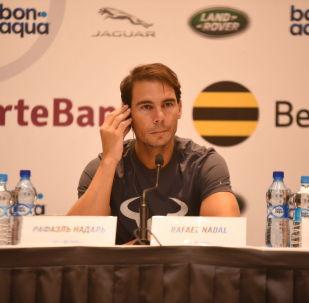 Теннисист Рафаэль Надаль на пресс-конференции перед матчем с Новаком Джоковичем в Нур-Султане