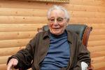 Писатель Абдижамил Нурпеисов, 95 лет, 2019 год