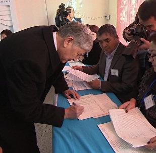 Атамбаев рассказал, кому Кыргызстан отдал свою независимость