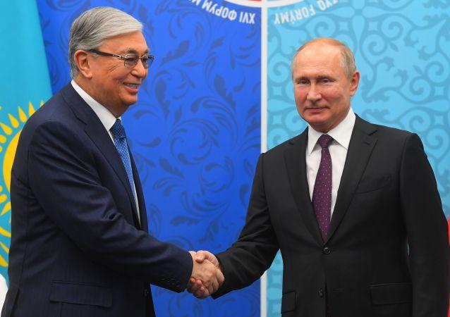 Президент России Владимир Путин и глава Казахстана Касым-Жомарт Токаев