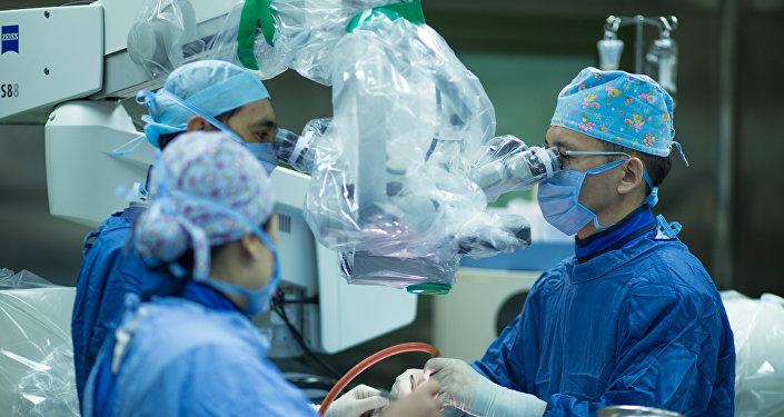 Операция на позвоночнике через полость рта в Астане