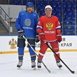 Карим Масимов и Дмитрий Медведев сыграли в хоккей