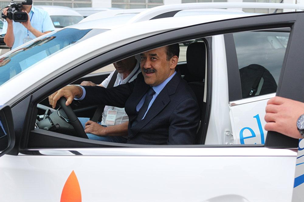 Карим Масимов, тест-драйв электромобиля