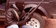 Вооруженный мужчина