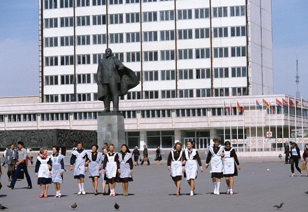 Целиноградские школьницы. Архивное фото