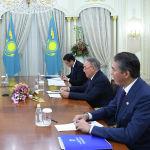 Елбасы встретился с бывшим гендиректором МАГАТЭ, лауреатом Нобелевской премии мира Мохаммедом Эль-Барадеи и президентом Глобального института безопасности Джонатаном Граноффом
