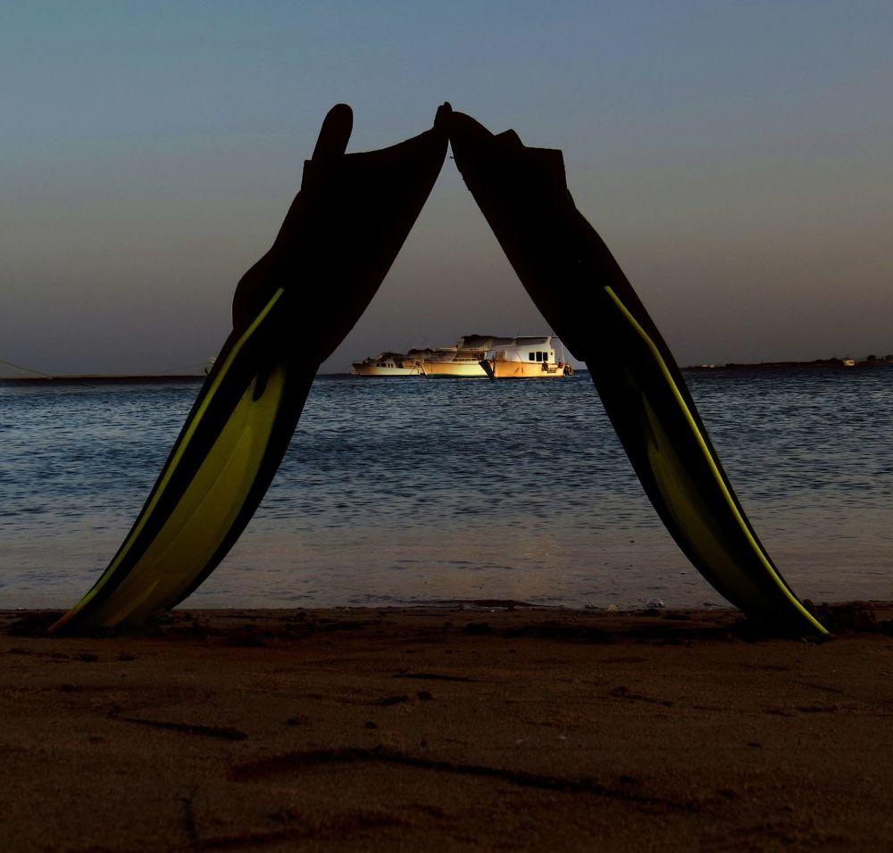 Острова Аруба в Карибском море. Их прелесть в сухой солнечной погоде, тихих волнах и пляжах с белым песком.