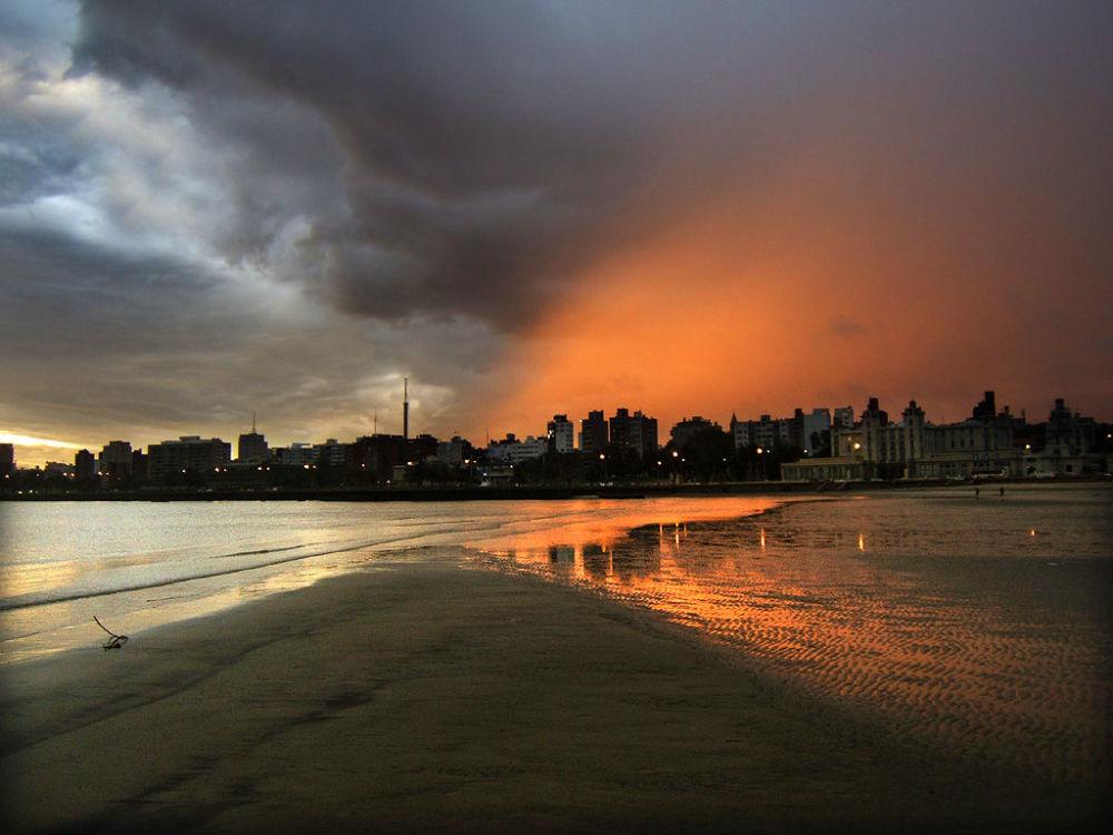Уругвай славится буйной растительностью и пляжами. Туристы ценят гостеприимство местного населения и красивые ландшафты.