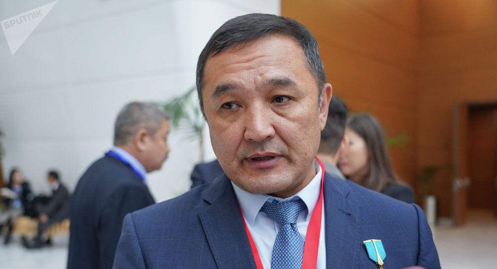 Летчик-космонавт, генерал-майор авиации Айдын Аимбетов