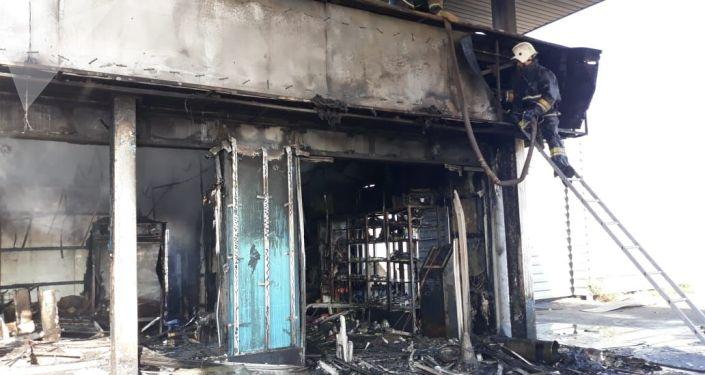 Автозаправка горела близ Барахолки
