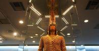Золотой человек выставлен в Эпиграфическом музее в Афинах