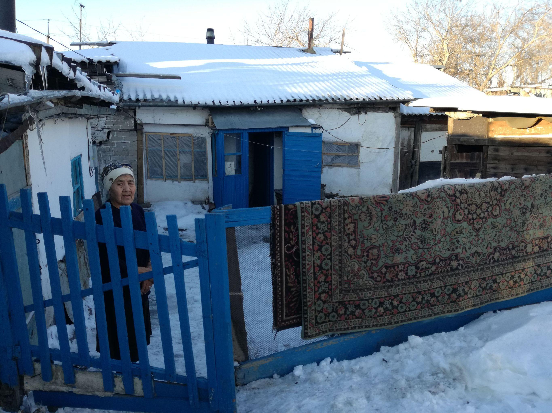 Ескі көшенің байырғы тұрғыны баба Рая