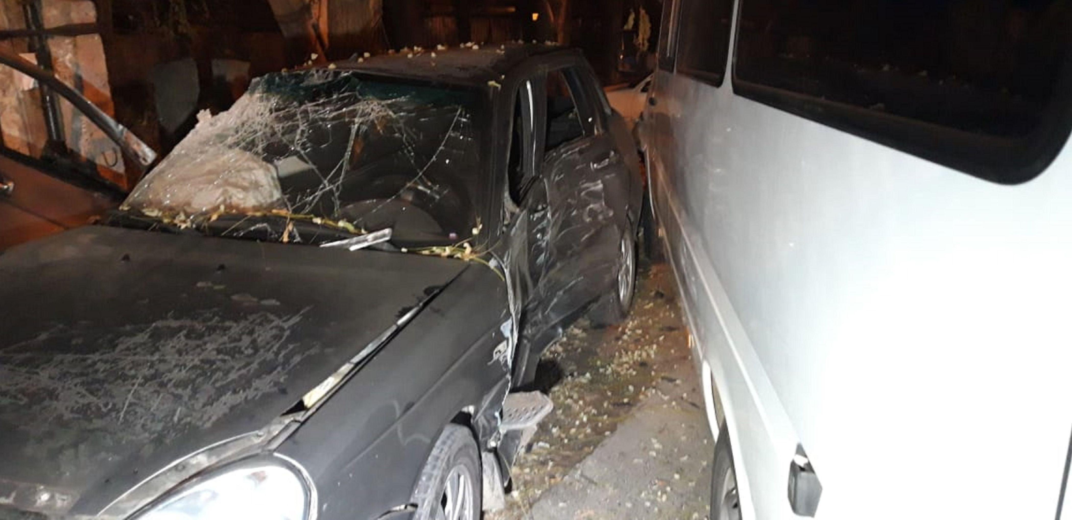 Микроавтобус врезался в легковой автомобиль на перекрестке Майбороды и Ғанибет