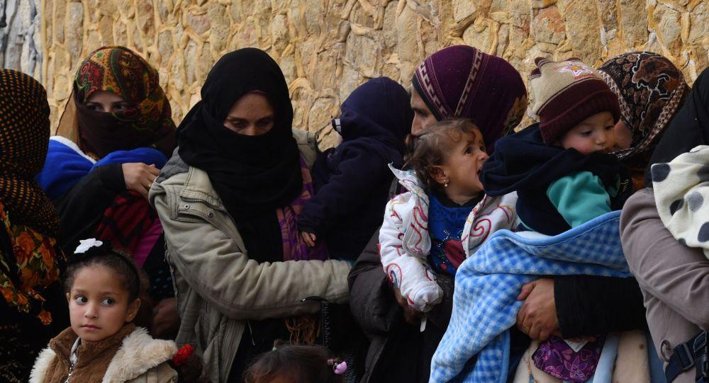 Бала ұстап тұрған әйелдер, Сирия