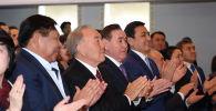 Назарбаев посетил спектакль в  Государственном академическом казахском музыкально-драматическом театре имени Куанышбаева