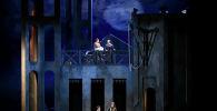 Опера Трубадур в Генуе, для которой казахстанские художники Софья Тасмагамбетова и Павел Драгунов создали сценографию