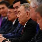 Бывший президент Казахстана Нурсултан Назарбаев выступает во время встречи с президентом Китая Си Цзиньпином (не на снимке) в Большом зале народных собраний в Пекине 28 апреля 2019 года