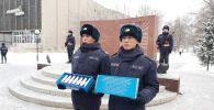 Капсулы с землей с братских могил воинов, умерших от ран в эвакогоспиталях, торжественно передали россиянам в Петропавловске