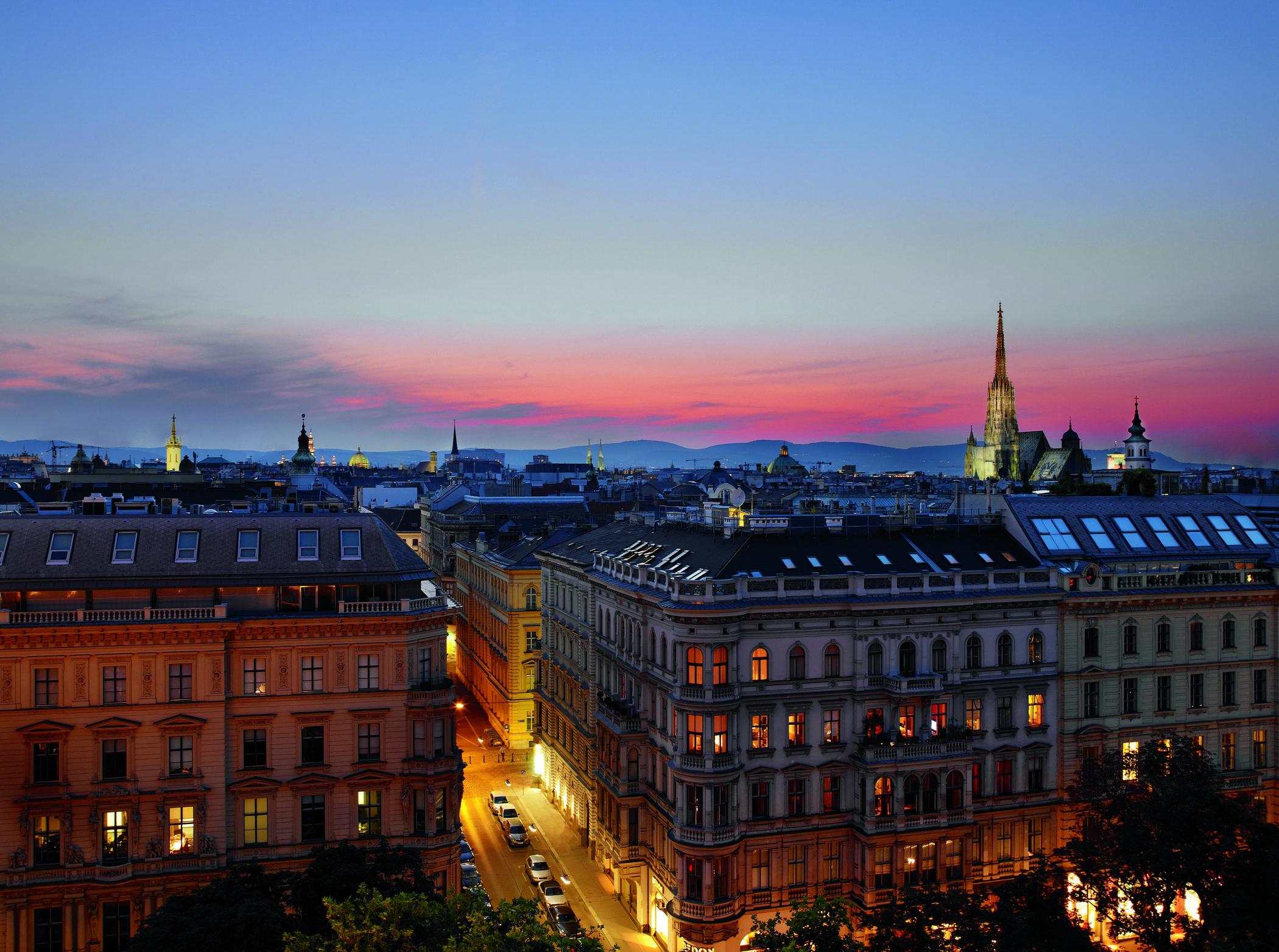 Отель расположен в центре Вены рядом с главными достопримечательностями города