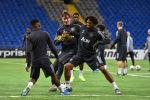 Тренировка футбольного клуба Манчестер Юнайтед