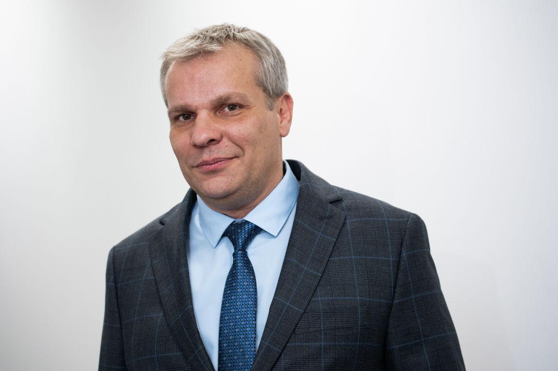Режиссер Дмитрий Скирта