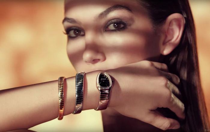 Ювелирный дом Bvlgari представил новые модели часов, напоминающие змей.