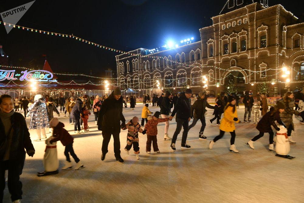 ГУМ-каток в Москве, открытие