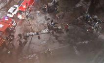 Пожар в электрощитовой жилого дома: спасатели эвакуировали более 50 человек
