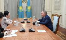 Нурсултан Назарбаев встретился с народной артисткой СССР Бибигуль Тулегеновой
