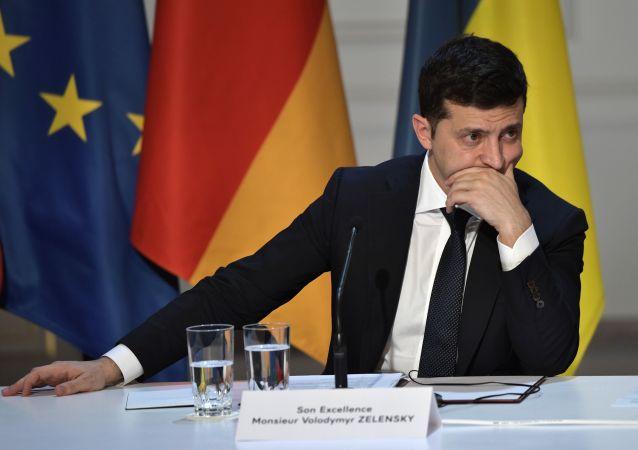 Президент Украины Владимир Зеленский на пресс-конференции по итогам встречи в Нормандском формате