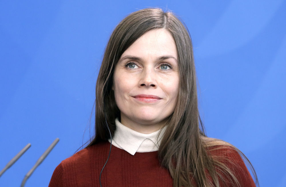 Исландия премьер-министрі Катрин Якобсдоуттир. Исландияның саяси қайраткері, журналист әрі оқытушы. Катрин 2017 жылғы 30 қарашада Исландия үкіметін басқарды. Ол 2017 жылғы қарашада президенттен үкімет құруға мандат алды.