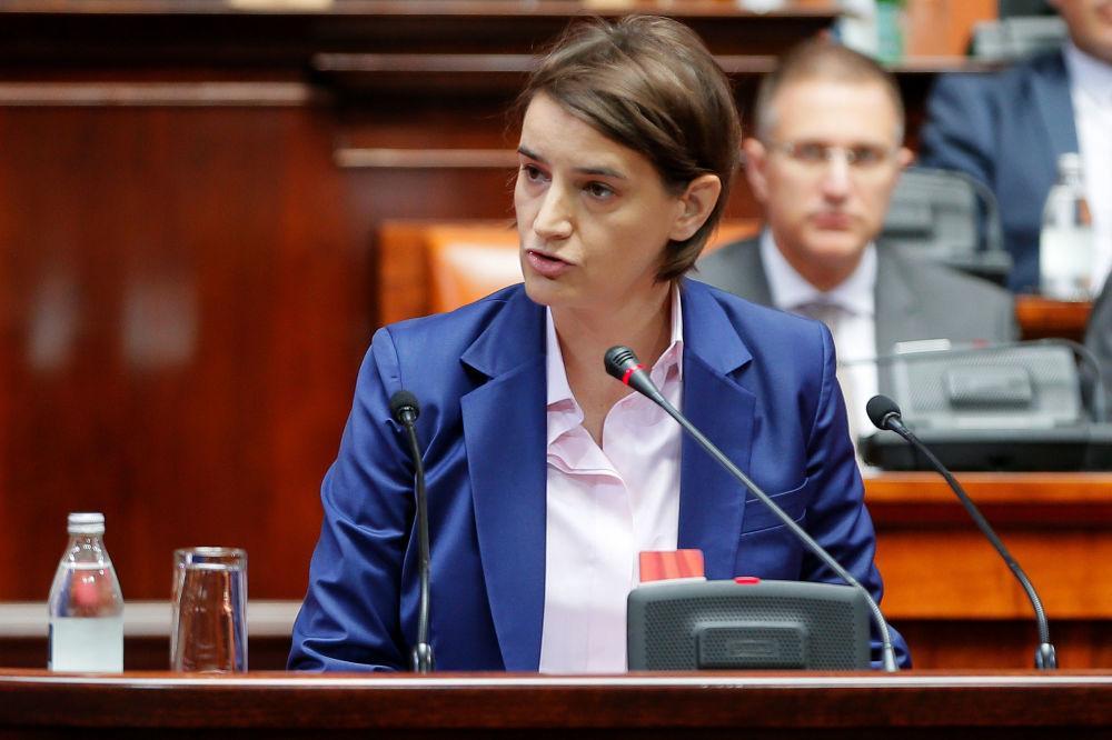 Ана Брнабич – серб саясаткері, 2017 жылғы 29 маусымнан бастап Сербия премьер-министрі. Бұған дейін Александр Вучич үкіметінде мемлекеттік және жергілікті өзін-өзі басқару министрі болған.