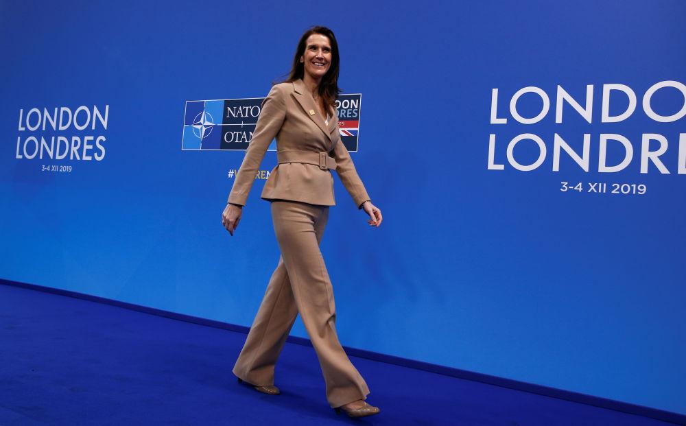 Софи Вильмес – бельгиялық мемлекеттік әрі саяси қайраткер, француз қауымдастығының өкілі, Реформаторлық қозғалыс партиясының мүшесі. Софи Вильмес 2019 жылғы 27 қазаннан бастап Бельгия премьер-министрі.
