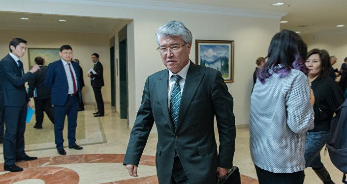Арыстанбек Мухамедиулы - министр культуры и спорта