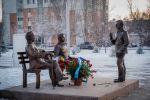 Памятник Үш арыс (Три защитника) на Аллее писателей в Нур-Султане. Сакен Сейфуллин, Беимбет Майлин и Ильяс Жансугуров (слева направо)