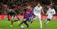 Футбольный матч Реал - Барселона
