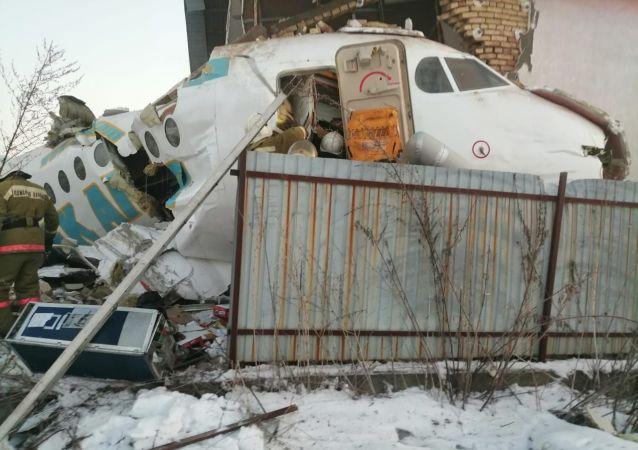 Самолет Бек Эйр рухнул в Алматы