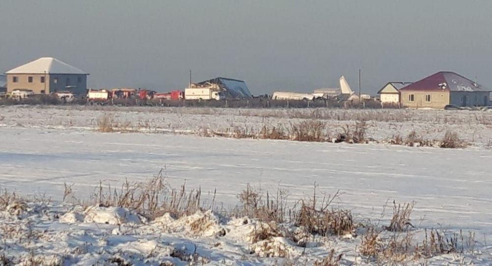 Фото с места крушения самолета Бек Эйр близ Алматы