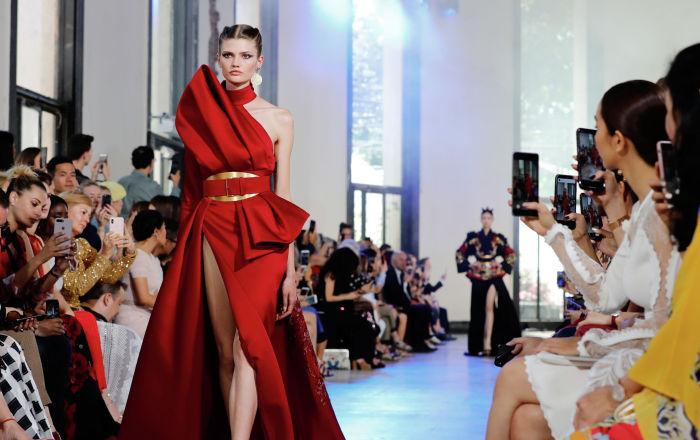 Показ коллекции Elie Saab осень-зима 2019/2020 Haute Couture
