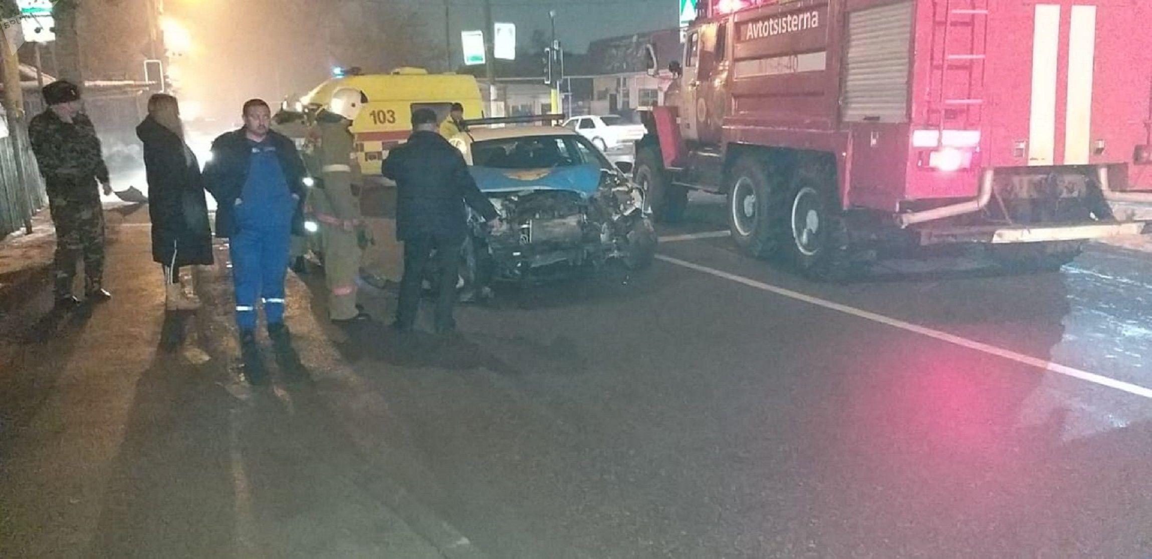 Автомобиль протаранил в патрульную машину