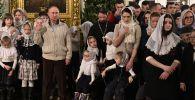 Президент России Владимир Путин посетил Рождественское богослужение в Санкт-Петербурге