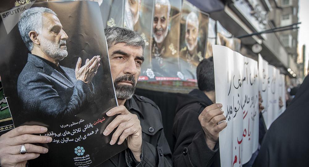 Церемония прощания с генералом Касемом Сулеймани в Тегеране