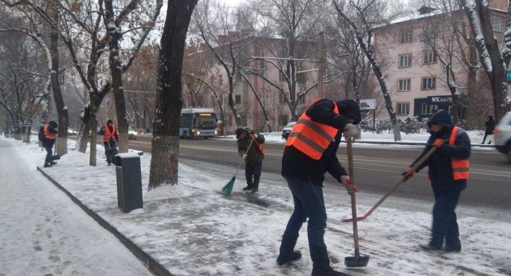 Южную столицу очищают от снега