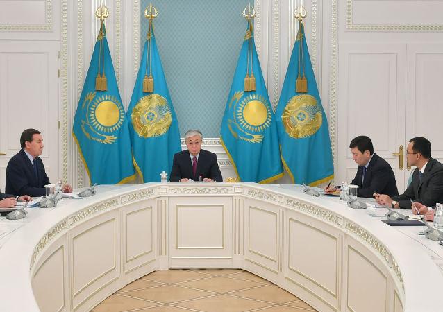 Президент Казахстана провел совещание по ситуации в регионе Персидского залива